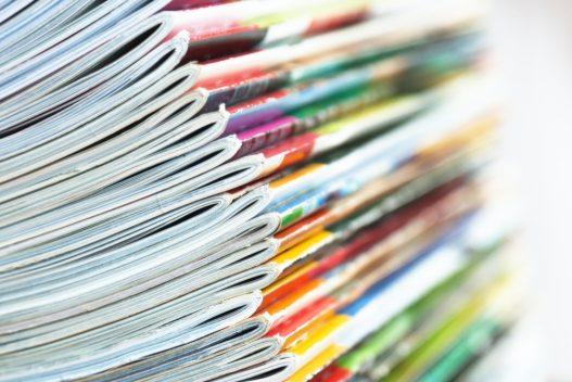 Forskellige magasiner som kan være i en bladholder